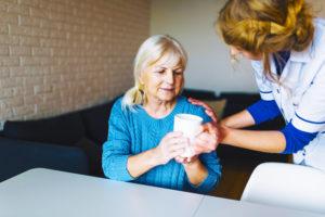 le Coup de Pouce à domicile porte assistance aux personnes agees