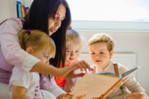 le Coup de Pouce à domicile vous aide à la garde de vos enfants